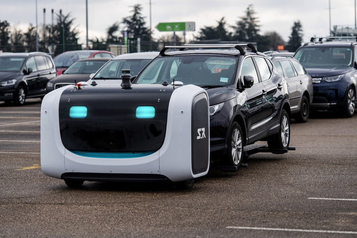 Racing to catch a flight? Robot valet at French airport will park your car
