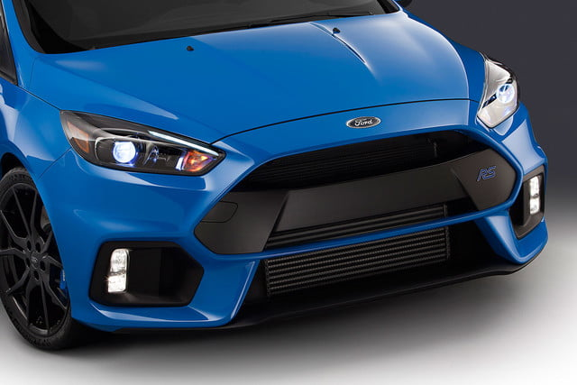 ford focus rs pricing performance specs news 16fordfocusrs 04 hr