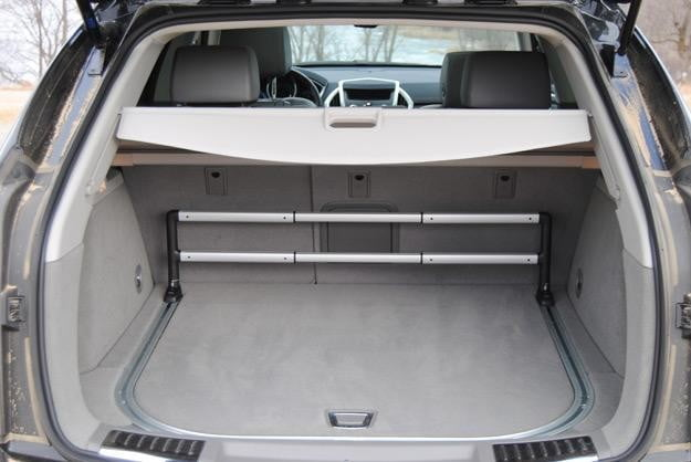 2012 cadillac srx trunk space