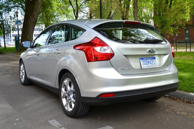 2012 ford focus sel review rear angle