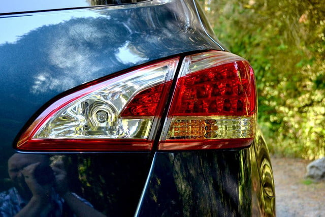 2012 nissan murano sl awd crossover review exterior right taillight