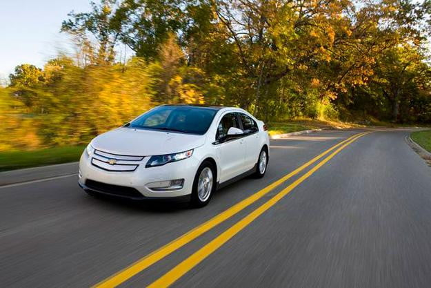 2017 Chevrolet Volt Gains Upgrades Adds New Drive Mode And Safety Features Digital Trends