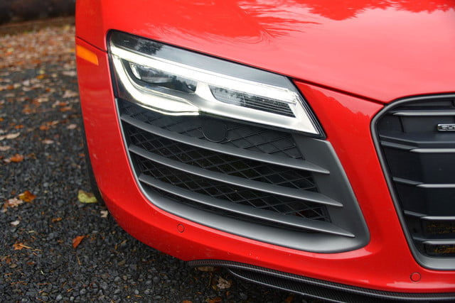 2014 Audi R8 V10 headlight macro