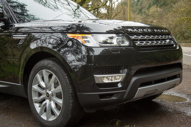 2014 Land Rover Range Rover Sport front section angle