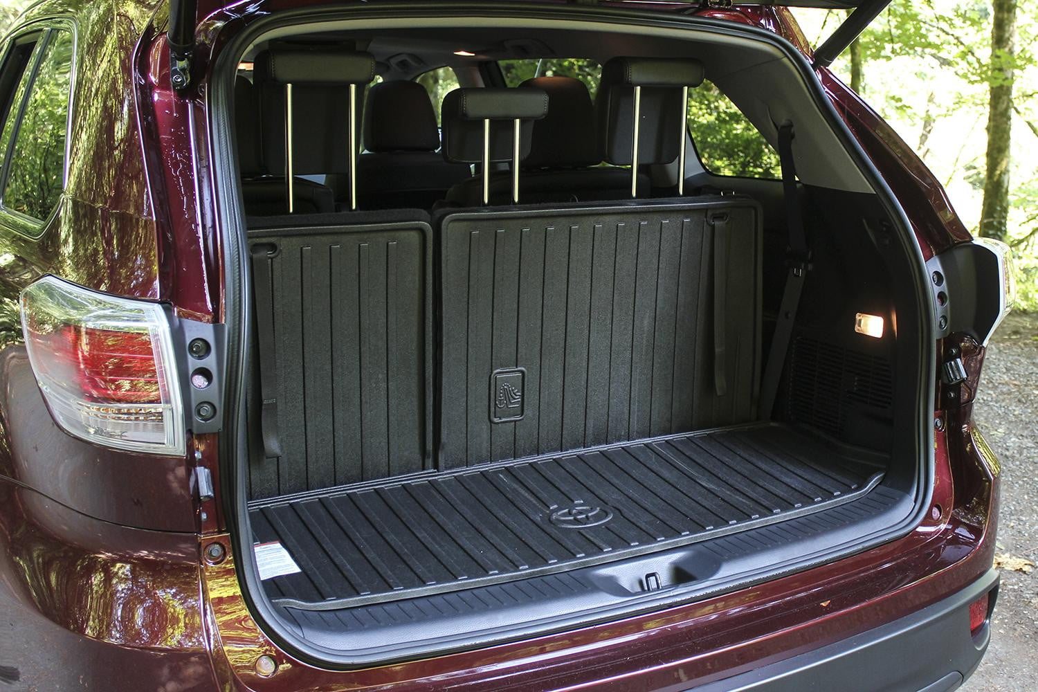 Awesome 2014 Toyota Highlander XLE Trunk Open
