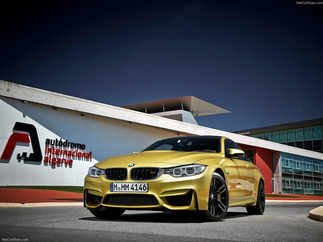 2015 BMW M4 front angle