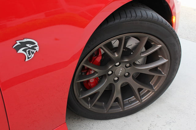 2015 Dodge Charger SRT Hellcat tire