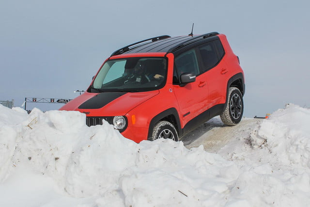 fiat chrysler four wheel and all drive specs 2015 fca winter 26