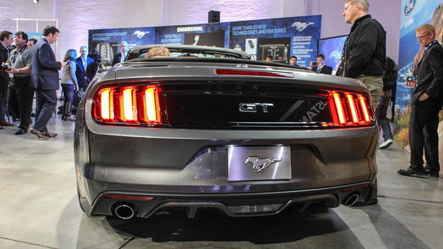 2015 ford mustang rear tail lights angle