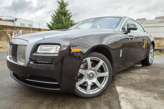 2015 rolls royce wraith front angle