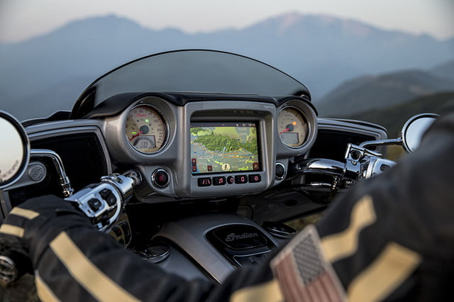 indian motorcycle ride command touchscreen 2017 imc infotainment roadmaster 06