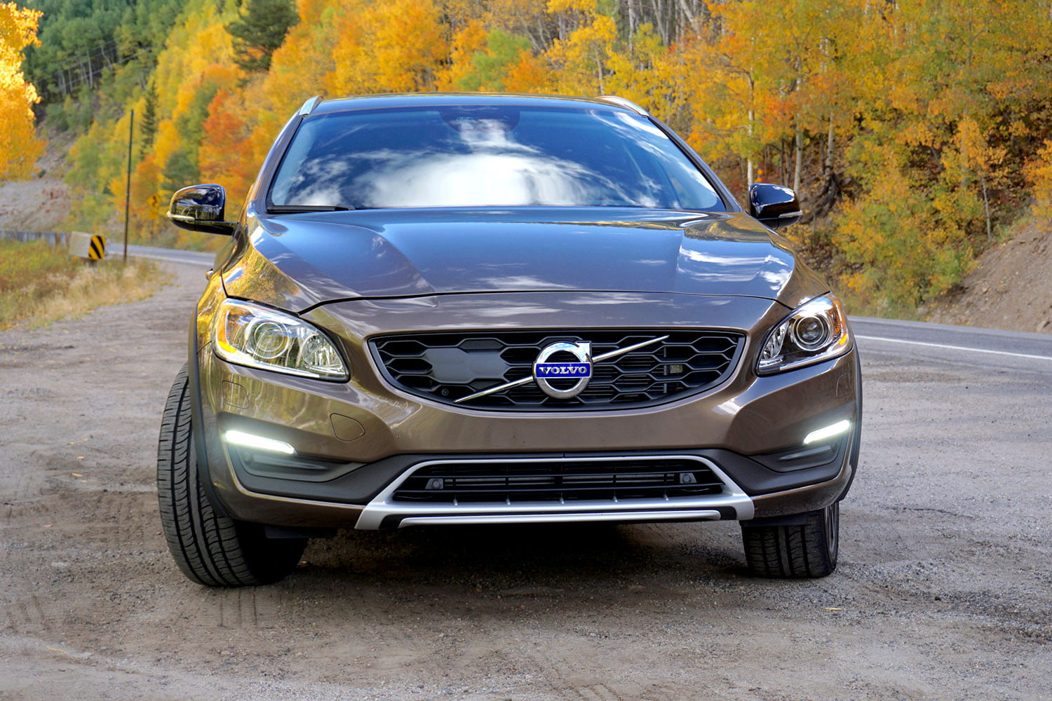 2017 volvo v60 cross country first drive. Black Bedroom Furniture Sets. Home Design Ideas