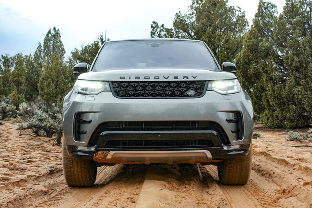 2017 land rover discovery first drive landrover review 000123