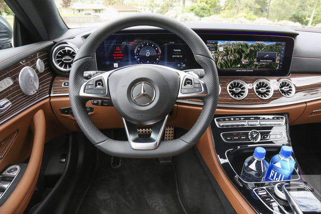 e400 coupe closeup-of-drivers-side-facing-steering-wheel