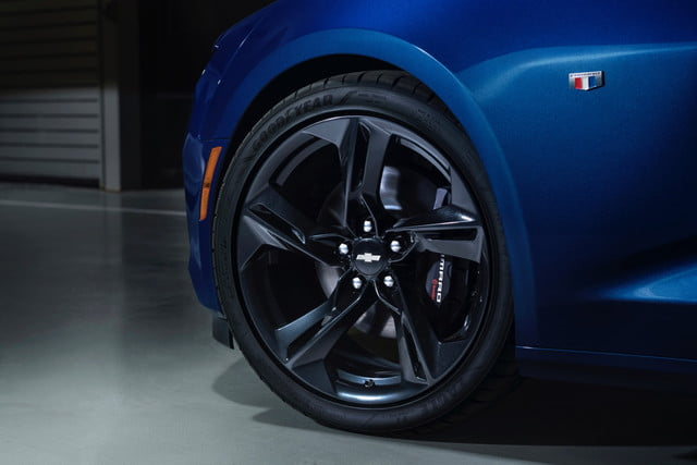 2019 Chevrolet Camaro Debuts With Restyled Face More Tech Digital
