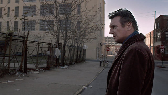 a walk among the tombstones review screenshot 2