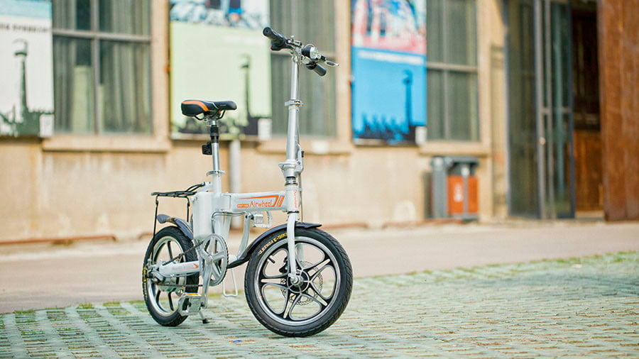 9cf98d61b13 Avoid locks and roll into work with the folding, electric bike from Airwheel
