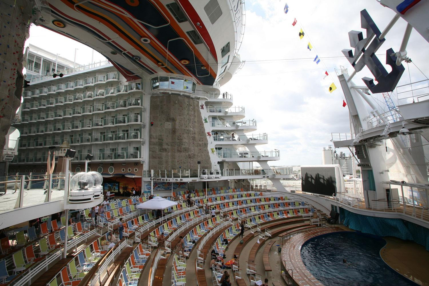 World S Largest Cruise Ships Digital Trends