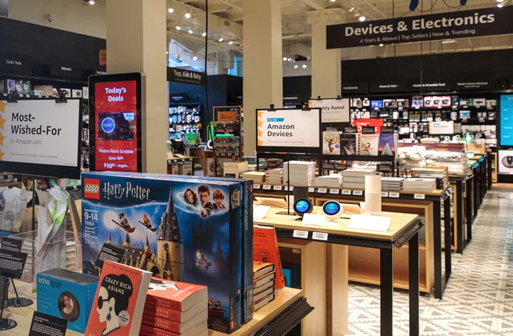 amazon is opening a new brick and mortar store with twist 4 star