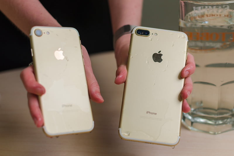 Apple IPhone 7 Vs Plus Back View