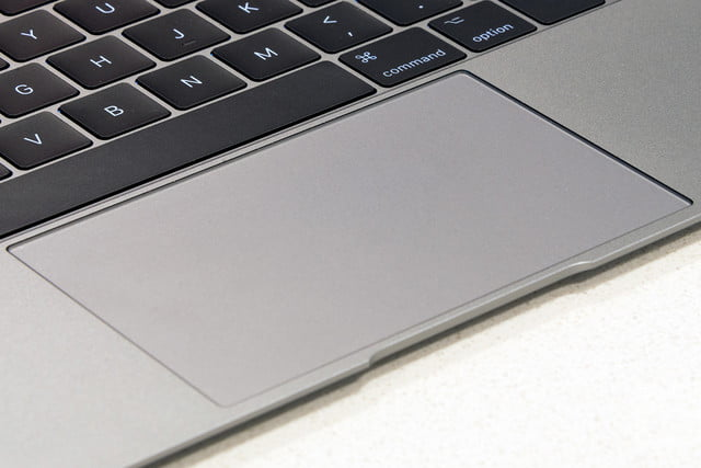 Apple MacBook-review-trackpad2