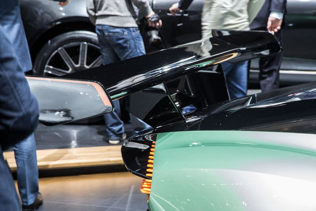 aston martin vulcan official spec pictures and performance 4