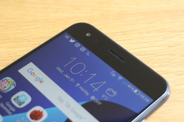 Asus Zenfone 4 Review top angle