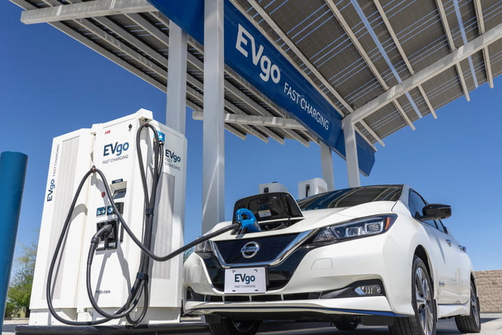 Nissan and EVgo adding another 200 fast-charging stations for electric cars