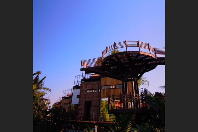 the bangkok tree house hotel lets guests sleep under stars resort 0013