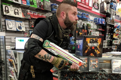 GameStop Manager Does Perfect 'Call of Duty: Black Ops 4