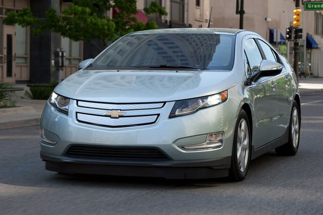 2017 Chevrolet Volt Chevy Review Exterior Front Left Side Angle