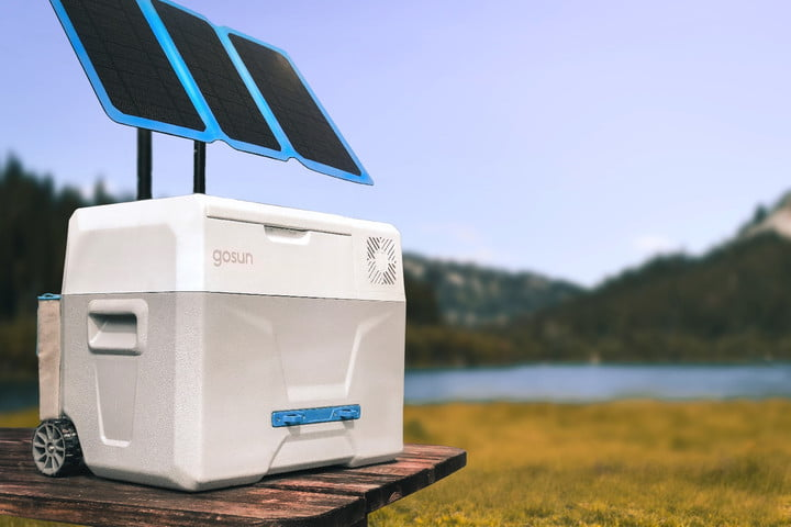 Forget ice! This off-grid cooler uses the sun's rays to chill your food
