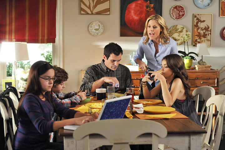 best tv moms claire dunphy modern family 703