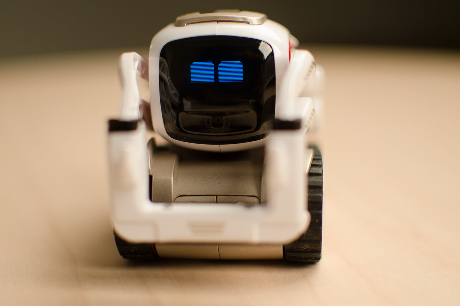 Hands On With Anki's Cozmo Robot | Digital Trends