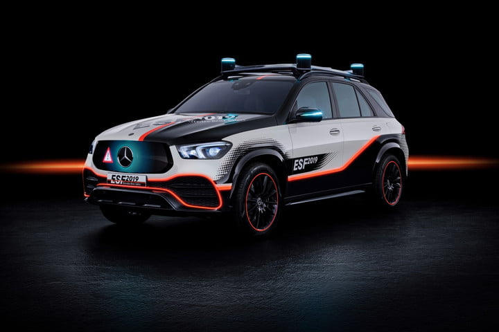 Mercedes-Benz safety-car concept monitors the road ahead, and also your kids