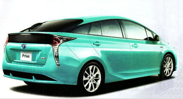 2016-Prius-green rear angle