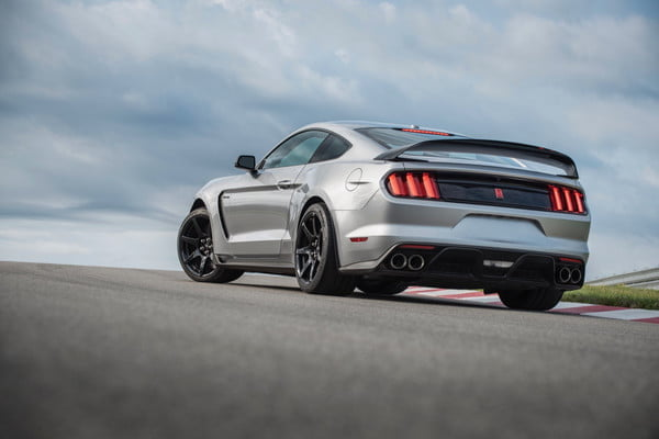 2020 ford shelby mustang gt350r performance and specs