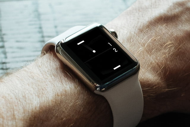 heres a tiny game of pong for your apple watch iphone ios 4