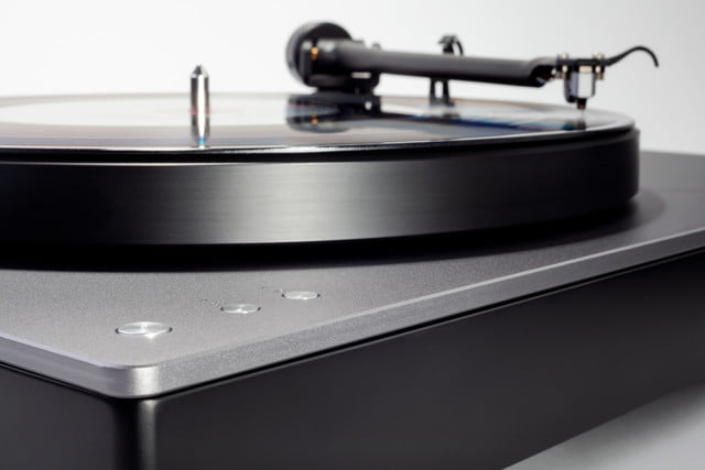 cambridge audio aptx hd turntable ces 2019 alva tt detail 02