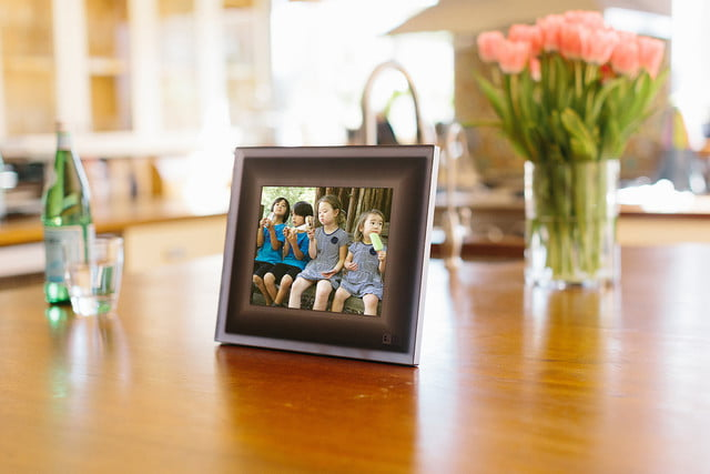 aura smart picture frame curates your photos lifestyle 0197 landscape