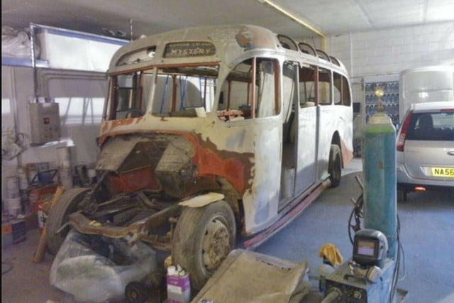 coolest bus to mobile home conversions bedfordbusbefore