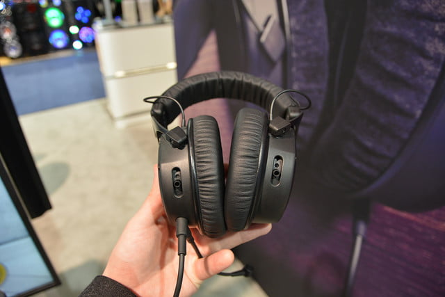 beyerdynamic custom game gaming headset ces 2017 02