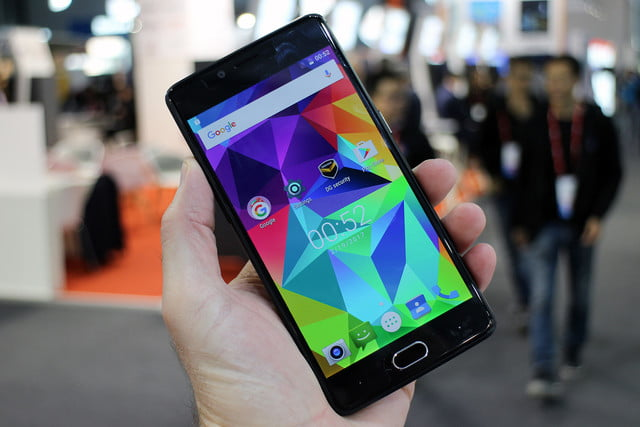 six fun quirky chinese smartphones mwc 2017 doogee shoot 1 3