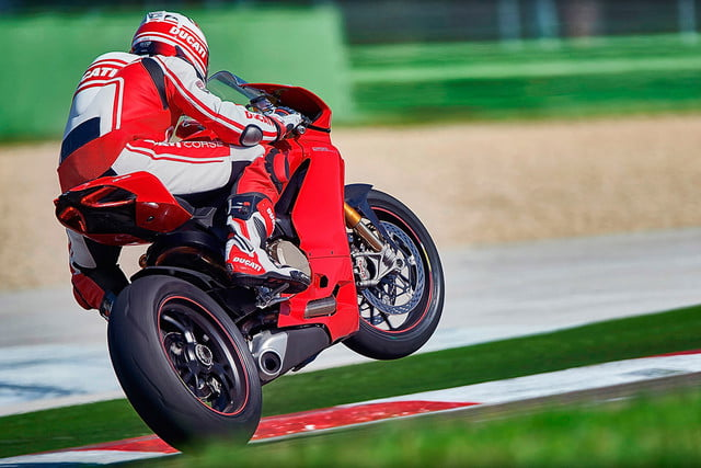 worlds fastest motorcycles ducati 1299 panigale s 0001