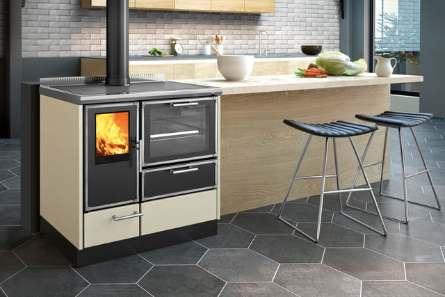 The Kitchen Kamin Is The At Home Stove That Cooks With Wood