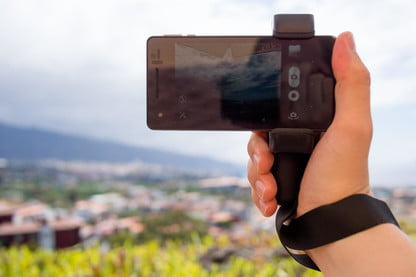 grand choix de 687d0 bf571 Put a Grip on Your Smartphone with Shoulderpod S1   Digital ...