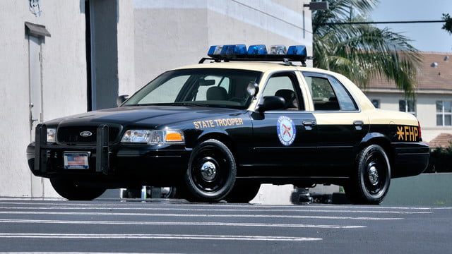 top 10 worst cars for valentines day sex ford crown victoria police interceptor
