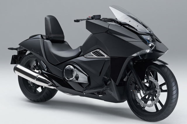 hondas radical new vultus sounds like electric bike isnt batman probably loves honda nm4vultus motorycle frontoffset