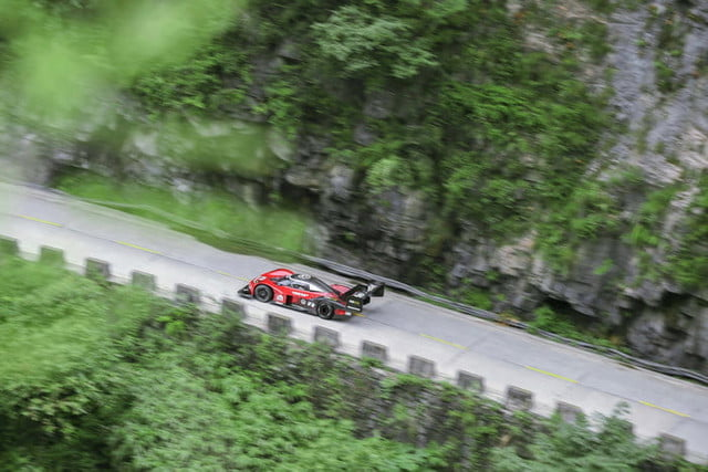 volkswagen id r electric car tianmen mountain china record attempt 2019 large 10123