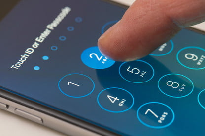 Hacking an iPhone: 60 Minutes Exposes Network Security Flaw